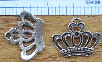 Crown - Queen of Hearts Charm - Silver
