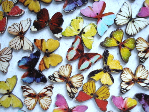 "*NEW 8 Beautiful Wooden Butterfly Buttons - 1 1/6"" X 7/8"""