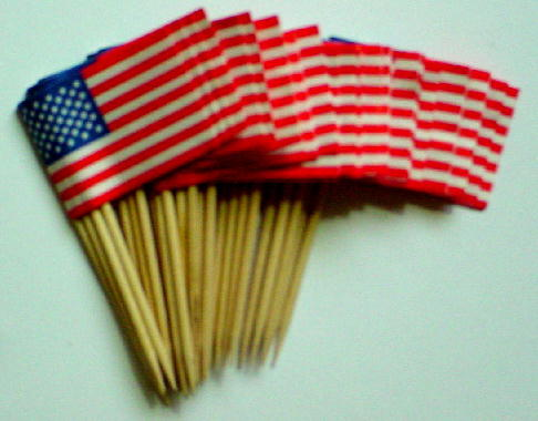 25 United States American Flags on Wooden Toothpicks